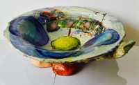 LS11   Shallow Bowl with Yellow Centre by Linda Styles